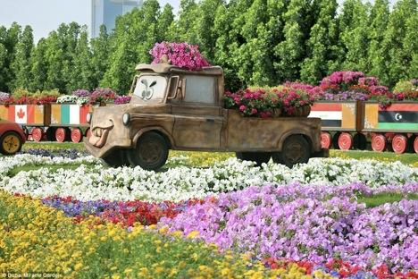 Dubai garden16