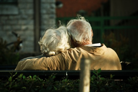 old-couple-candida-performa-wikimedia-commons