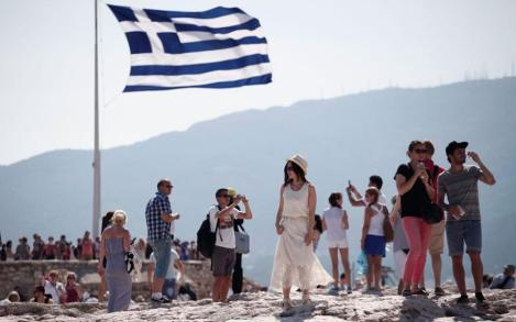 chinese tourists in Greece